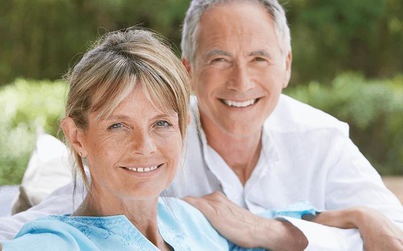 happy-successful-dentist-couple